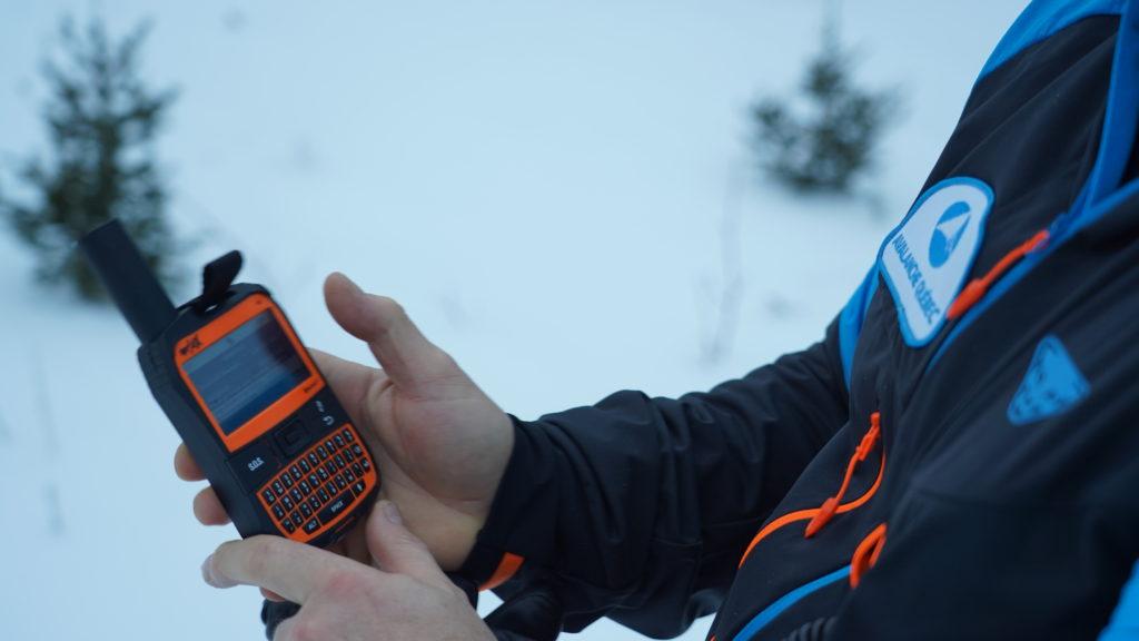 Spot et bulletin SMS sur téléphone satellite